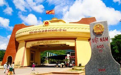 Cửa khẩu quốc tế Lao Bảo (Quảng Trị).