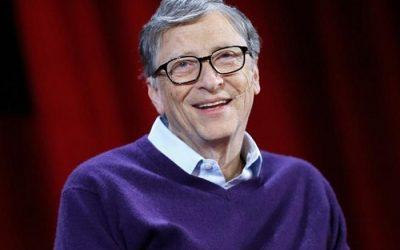 Bill Gates vẫn luôn trung thành với kiểu trang phục mà mình lựa chọn