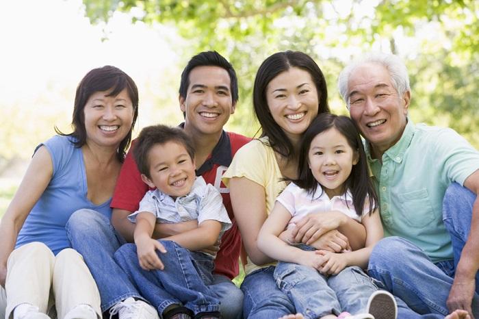 Công dân Hoa Kỳ có thể làm đơn bảo lãnh cho vợ chồng, con cái, cha mẹ và anh chị em