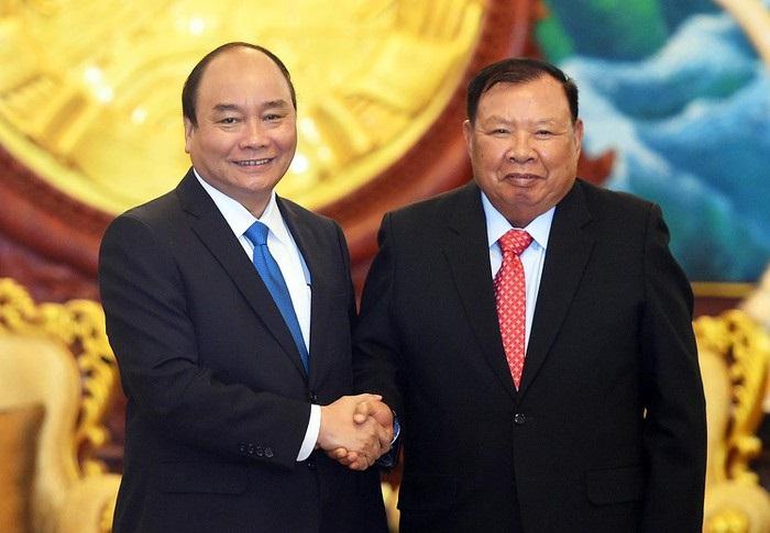 Thủ tướng Nguyễn Xuân Phúc chào xã giao Tổng Bí thư, Chủ tịch nướcCHDCND Lào Bounnhang Vorachith.