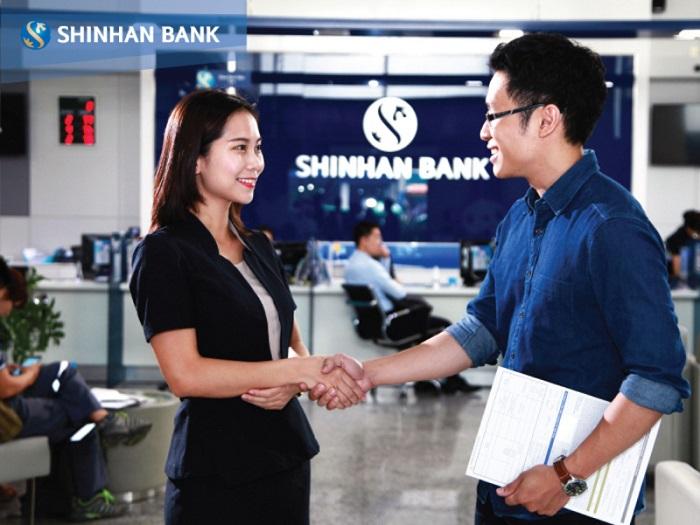 đồng phục ngân hàng Shinhan Bank